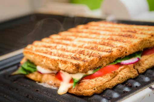 Chana Masala Grill Sandwich