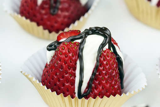 Creamy Strawberry Shots