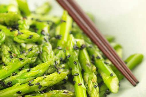 Honey Glazed Asparagus with Sesame Seeds