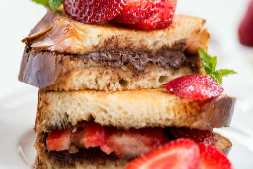 Chocolate French Toast with Strawberries