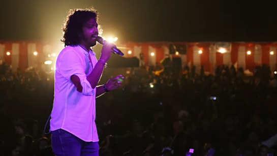 Bachna Ae Haseeno, singer Nakash Aziz says to Jesus and Mary College girls