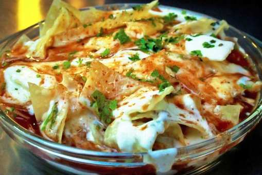 Cheesy Dahi Bhalla Nachos Chaat