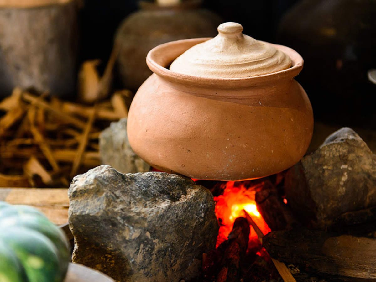 clay pot to cook in Why you must go back to cooking food in earthen pots  The Times