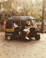 Akshay Kumar turns rickshaw driver for wife Twinkle Khanna