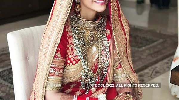 This unseen picture from Sonam Kapoor's wedding album goes viral