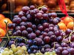Eating grapes - Spain