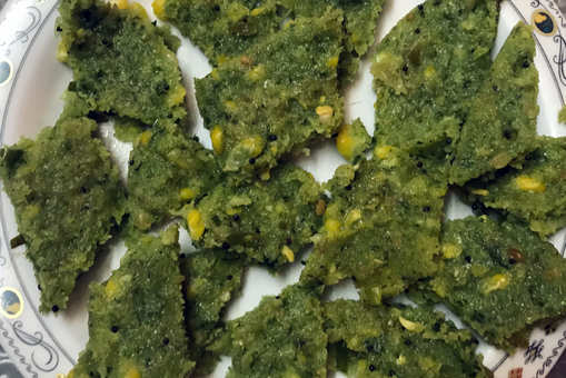 Spinach and Corn Dhokla