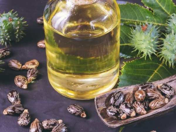 Ways To Use Castor Oil For Treating Dandruff - Treatment For Dandruff