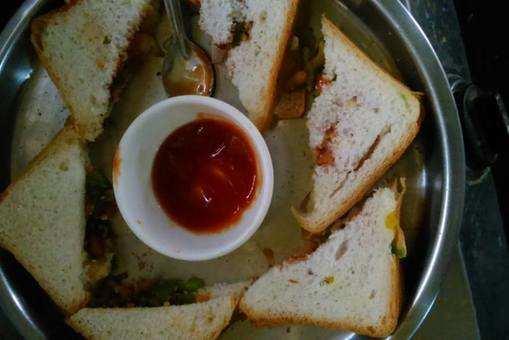 Sprout Matki Sandwich