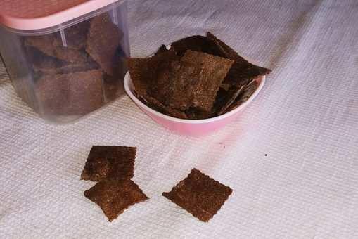 Baked Finger Millet Crisps