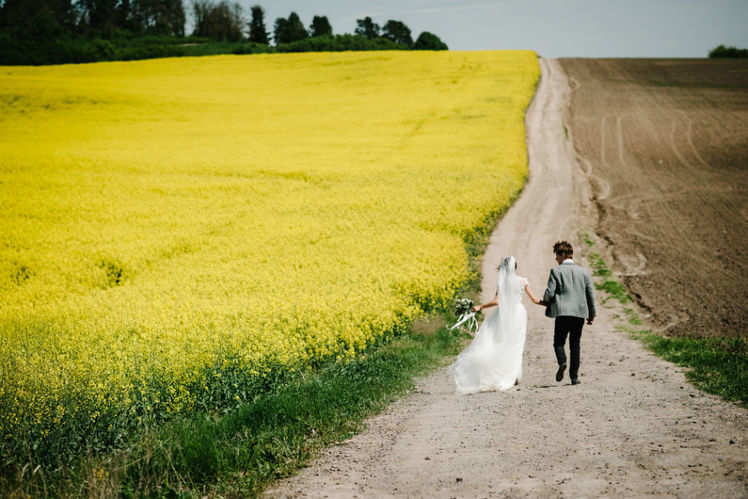Time for your pre-wedding shoot!