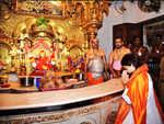 Praying to the Vignaharta