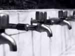 Community water dispenser