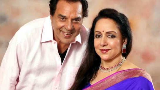 Lok Sabha polls 2019: Dharmendra appeals for votes for his wife MP Hema Malini