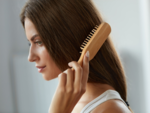 ​The hairbrush/ comb