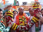 Mumbai North votes for Gopal Shetty over Urmila Matondkar