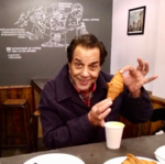 Veteran actor Dharmendra proves he's a complete foodie!