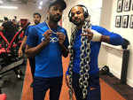 Shikhar and Hardik show off their chains in the gym