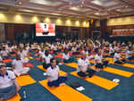 250 diplomats of 56 countries performing yoga together