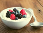 ​Greek yoghurt and mixed berries
