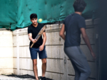 Ibrahim Ali Khan plays cricket with his friends