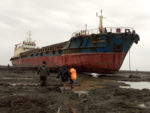 Vessel grounded in Palghar