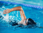 How swimming can aid the weight loss process?