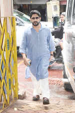 Arshad Warsi attends the funeral