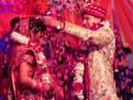 ​7 types of annoying wedding guests you will find in Indian weddings