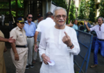 Veteran lyricist casts his vote