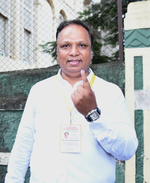 Shelar in fray to get maximum votes