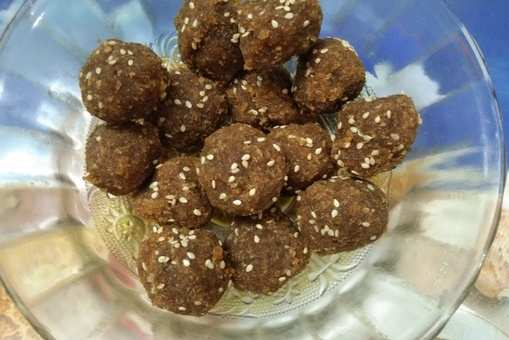 Coconut Laddoo with Date Palm Jaggery