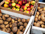 Store potatoes with apples