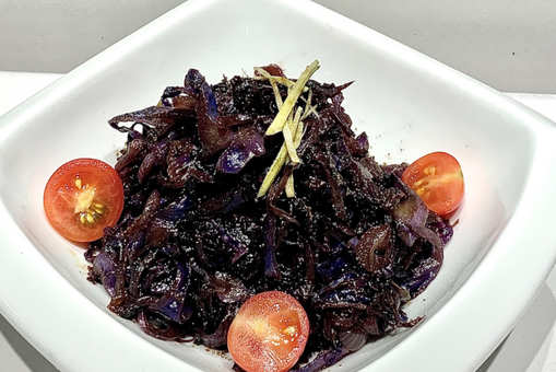 Sticky Spiced Red Cabbage
