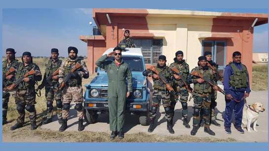 Varun Dhawan spends two 'magical' days with Indian Air Force personnel