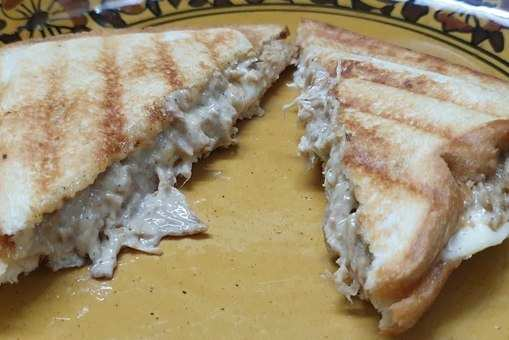 Chicken and Cheese Grilled Sandwiches