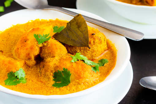 Lucknowi Dum Aloo Curry
