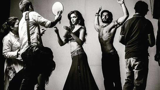 This throwback BTS picture of Ranveer Singh-Deepika Padukone's 'Goliyon Ki Rasleela Ram-Leela' will evoke nostalgia