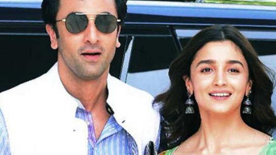 Ranbir Kapoor-Alia Bhatt to have intense romantic scenes in 'Brahmastra'?