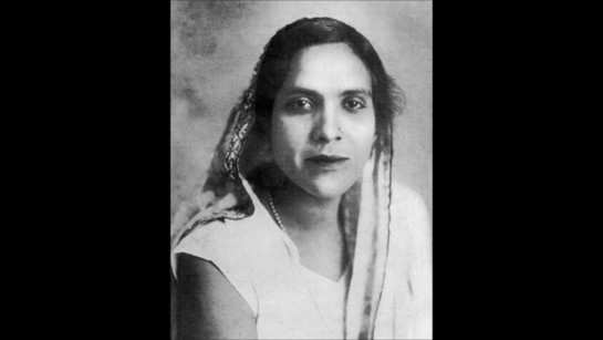 Famous courtesan Jaddanbai was the mother of this legendary Bollywood actress