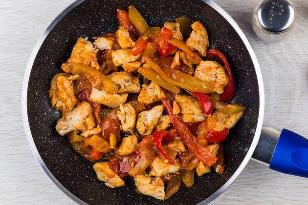 Cooking-chilli-chicken