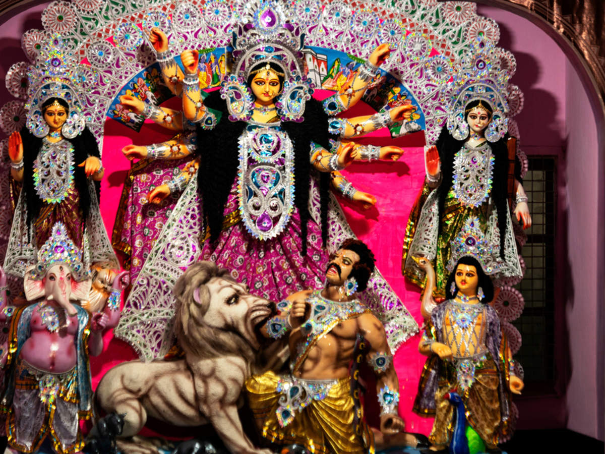 COVID-19 impact: Durga Puja committees in West Bengal cut costs, opt for  theme-less pandals | Times of India Travel