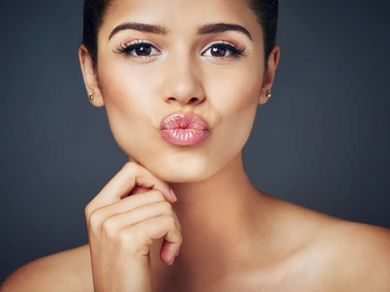 5 Facial Yoga Tips To Get Rid Of Your Double Chin The Times Of India