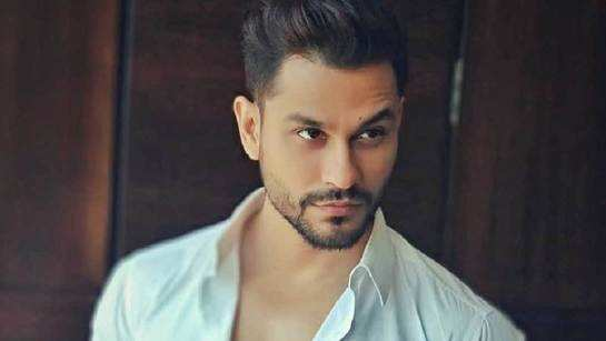 Exclusive: Here's what Kunal Kemmu's daughter Inaaya is gifting him on his birthday today; watch video