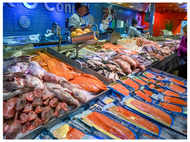 Coronavirus traces found in seafood in Beijing food market