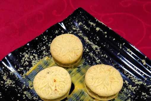 Saffron Pistachio Stuffed Cookies