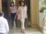 Riddhima accompanies mom Neetu Singh