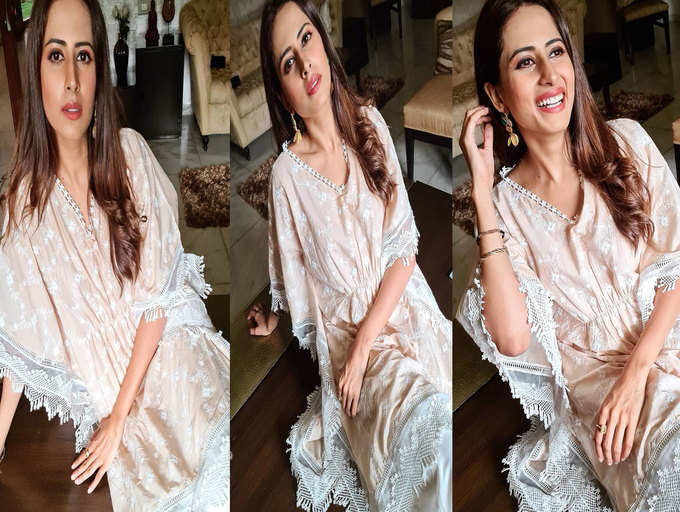 Clad in a kaftan, Sargun Mehta gives fashion goals in her latest pictures