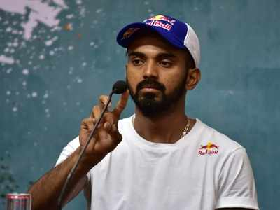 KL Rahul donates PPE hoods to CISF personnel at Bengaluru airport