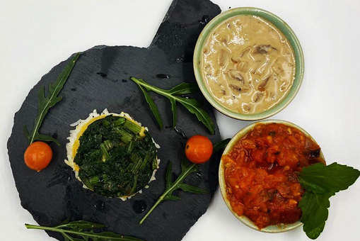 Spinach Corn Rice with Mushroom and Tomato Dips